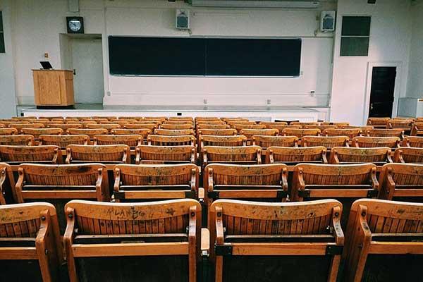 大学(学校)